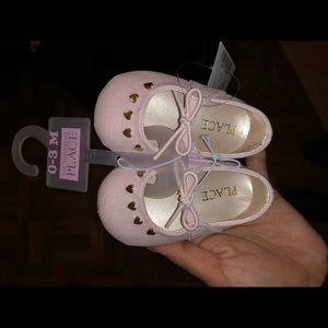 Light pink shoes (0-3 months) never used!